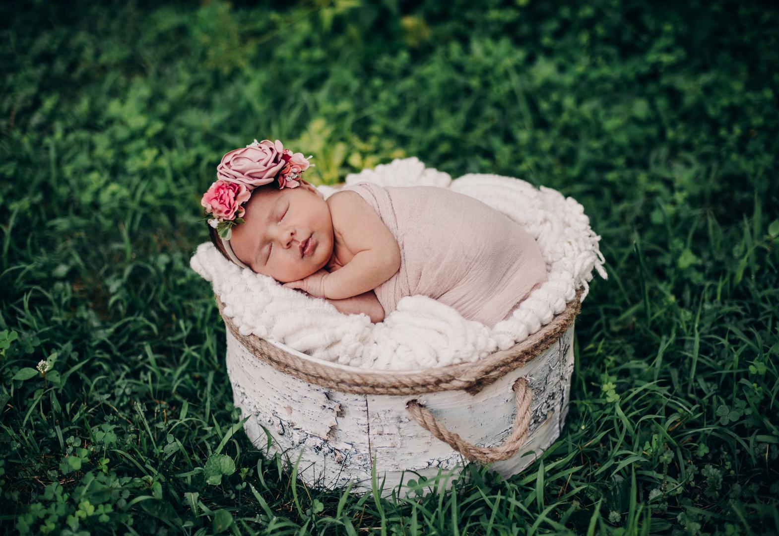 TerraSuraPhotography-Sloane Vasseur Family Newborn-Web-4466.jpg