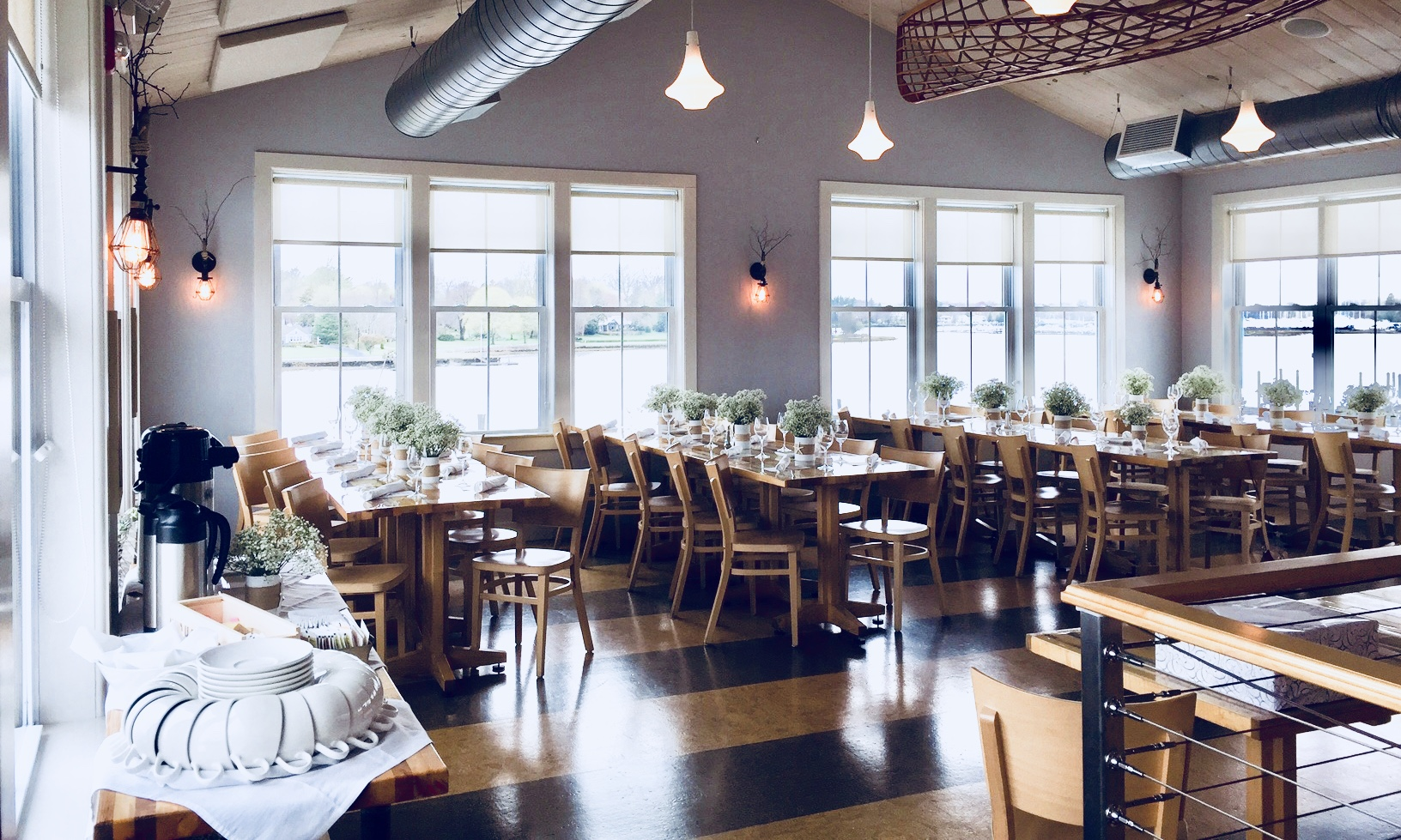 corporate gatherings - Trafford Restaurant provides exceptional service for business meetings, presentations, luncheons, and parties both large and small.