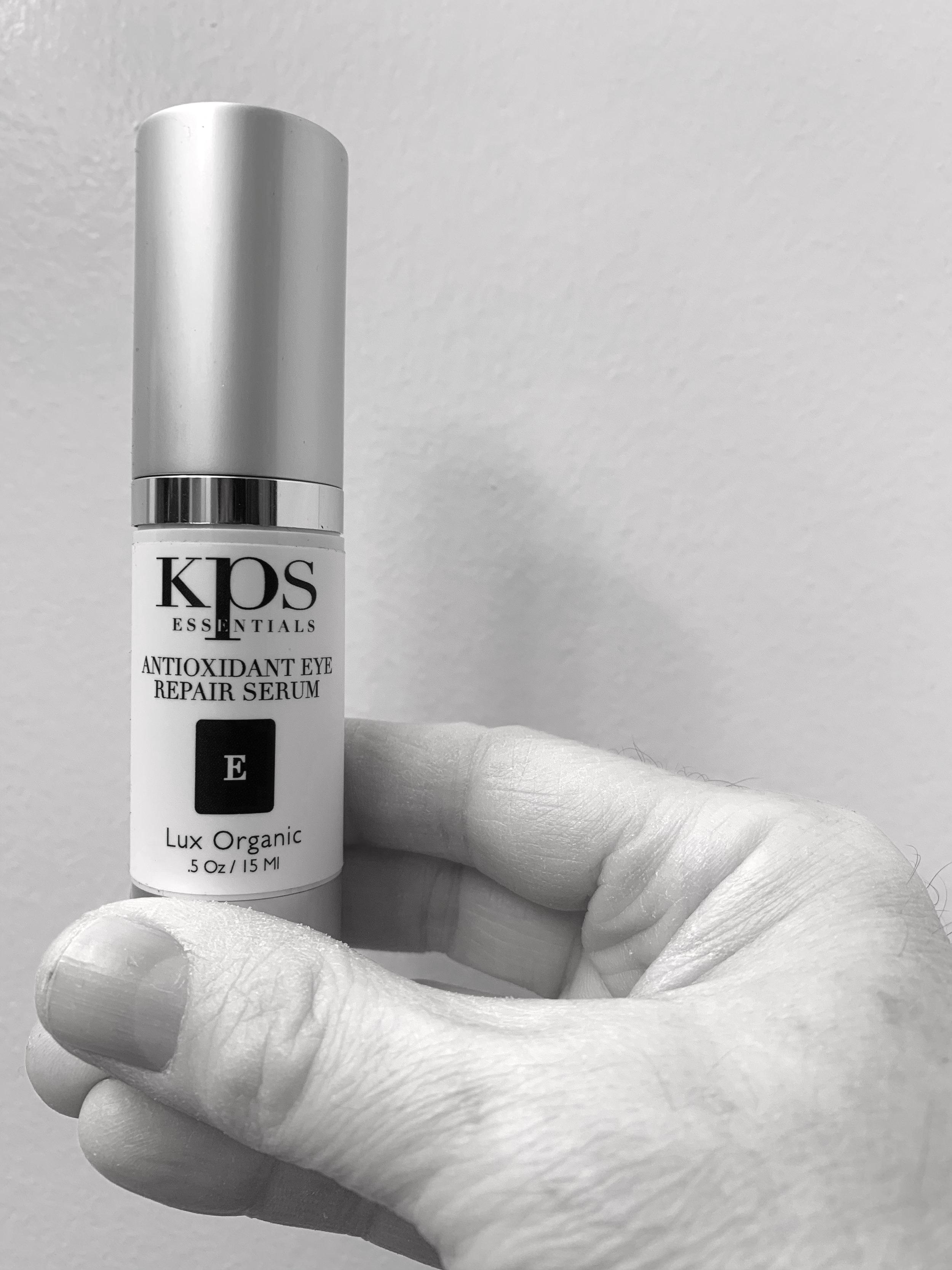 The antioxidant-powered KPS eye serum.