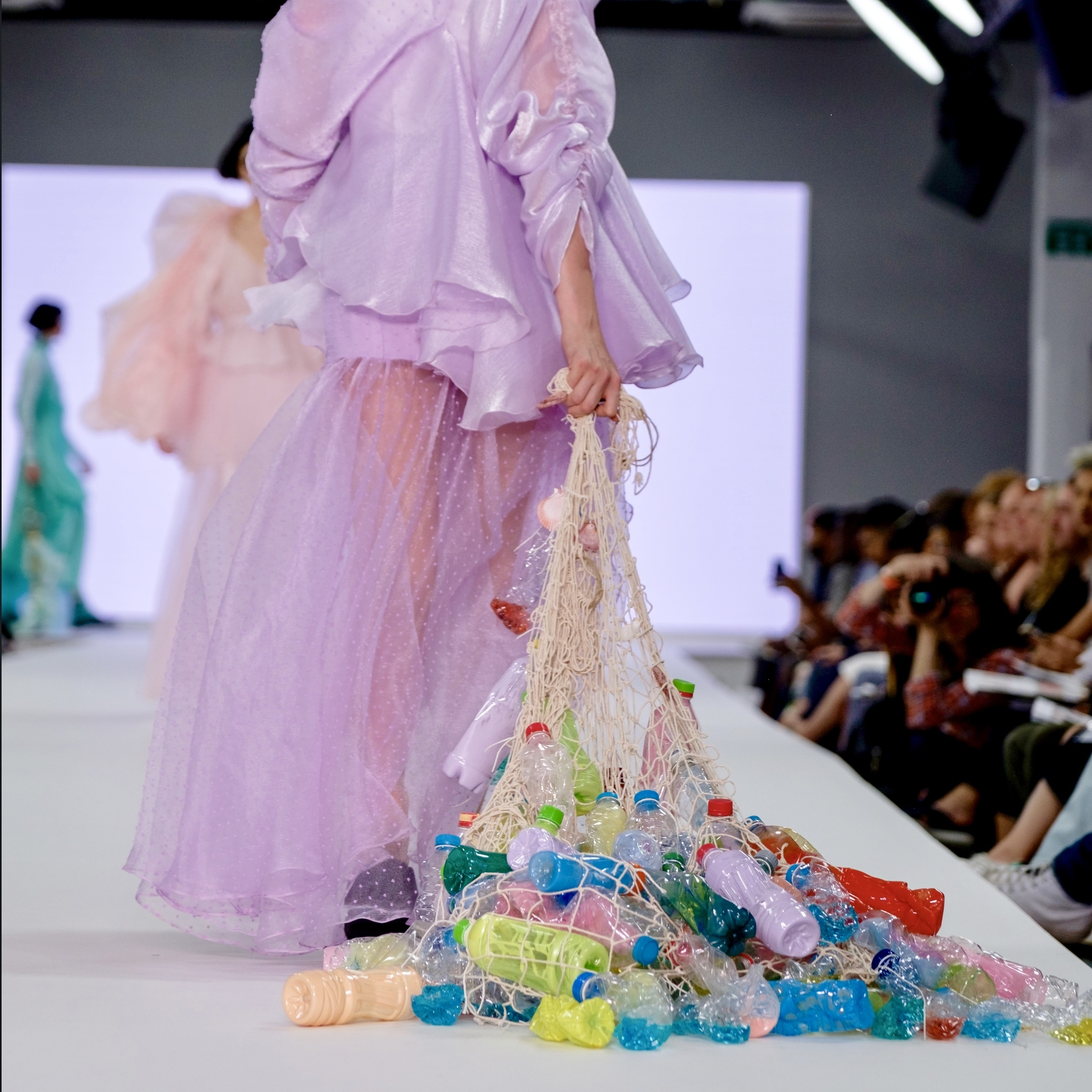 """""""The Fashion Industry Faces a Sea of Change"""" - Yunrao Chen - Graduate Salford University"""