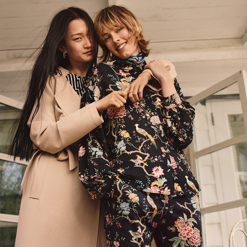 H&M is pleased to share the news of its upcoming print collaboration with the iconic British wallpaper and textile house GP & J Baker, which was founded over 100 years ago in 1884.