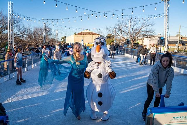 The countdown is on till Frozen 2 comes out! Who's ready?! ❄️here we are at a flashback from Winterfest in @camdencouncilnsw