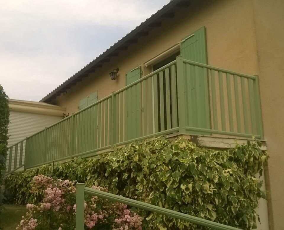 WorkAdvisor julien doreille menuiserie exterieure porte d'entrée porte de garage portail cloture bois Fenêtres PVC Alu Aluminium Artisan Devis.jpg
