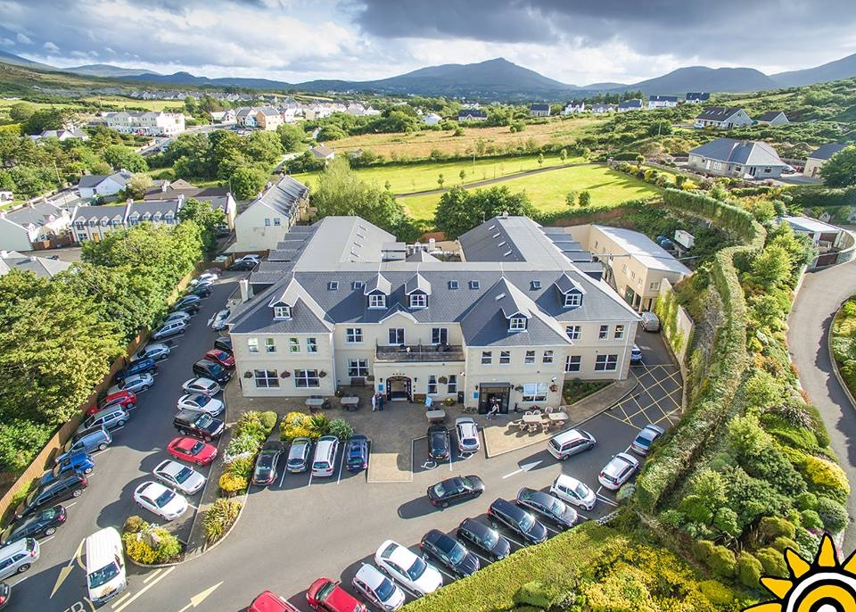 Ballyliffin Lodge and Spa - Weddings are the hotel's speciality and our experienced and professional wedding team will ensure that the biggest day of your lives will run smoothly while you relax and enjoy the day. We are renowned for our high quality food using local produce & impeccable service