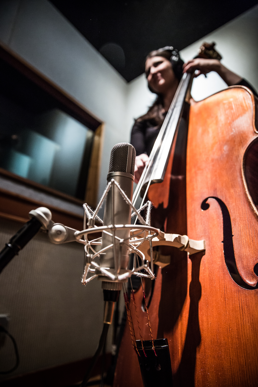 A-Studio-bass-2018-03-color_1000x1500.jpg