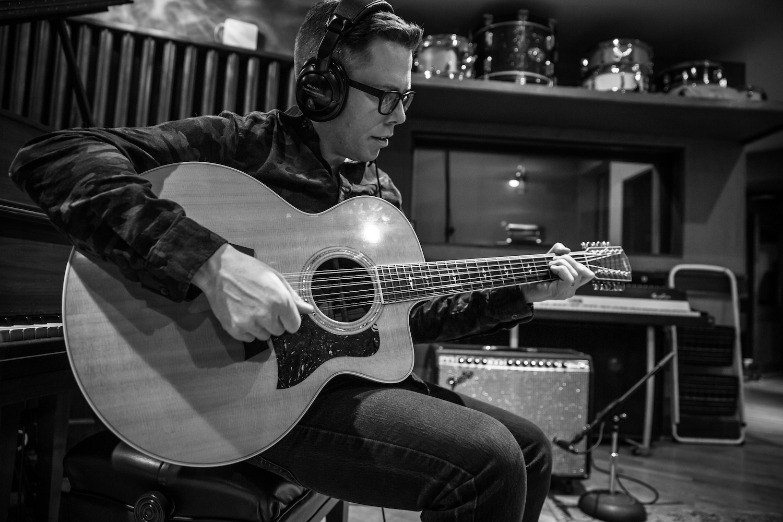 fran-guitar-2018-03-1500x1000.jpg