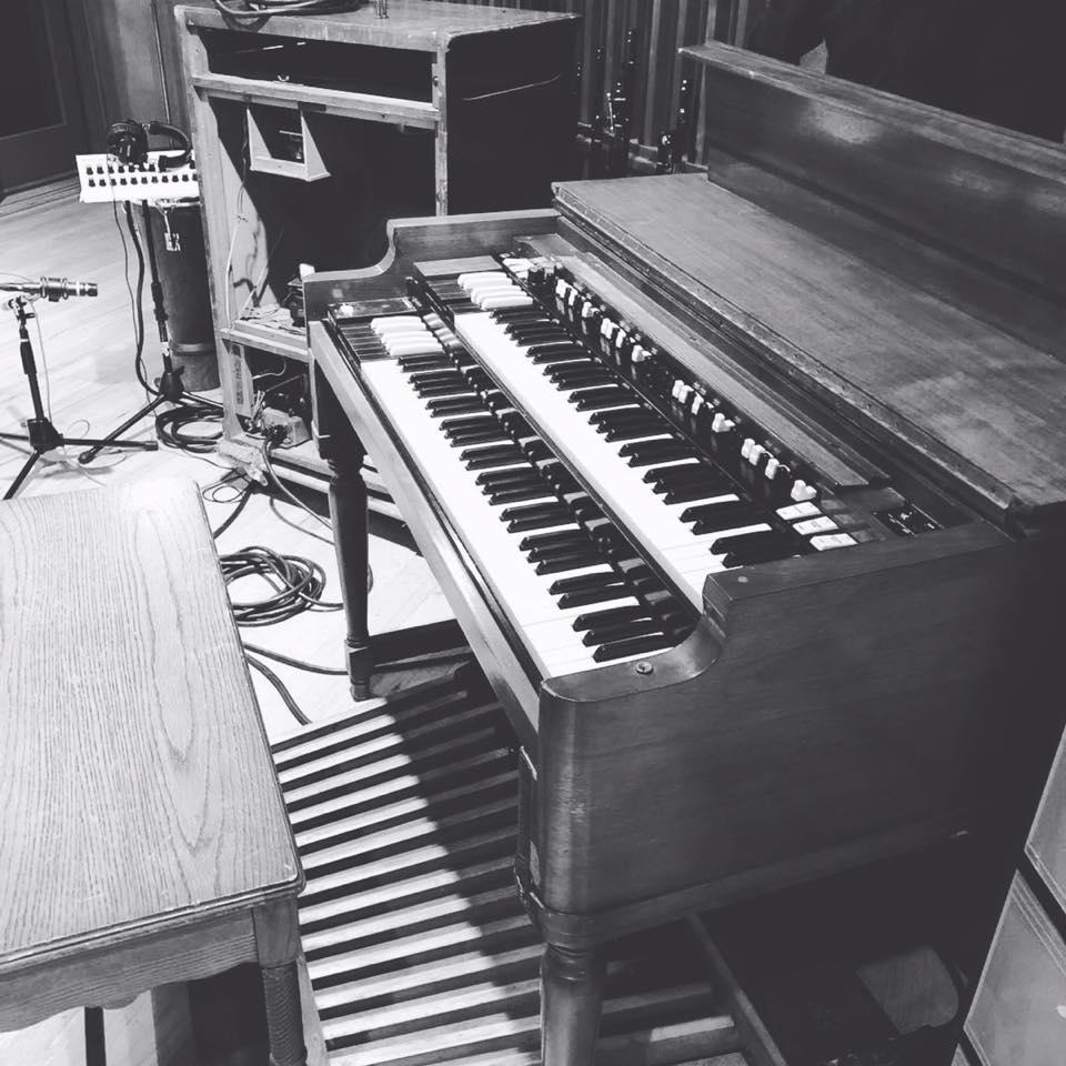 hammond b3 organ