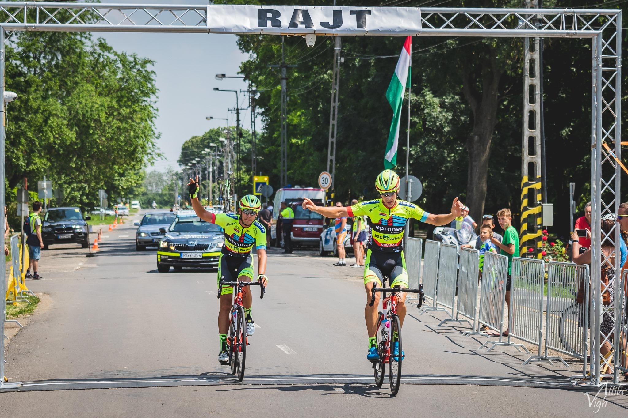 A verseny első és második helyezettje Pályi Csaba és Solymosi Márton; Fotó: Vígh Attila