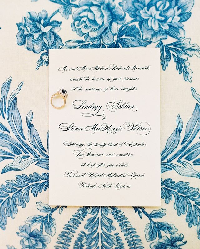 A classic, engraved script goes a long way. #gathertogetherweddings 📷 @anagramphoto