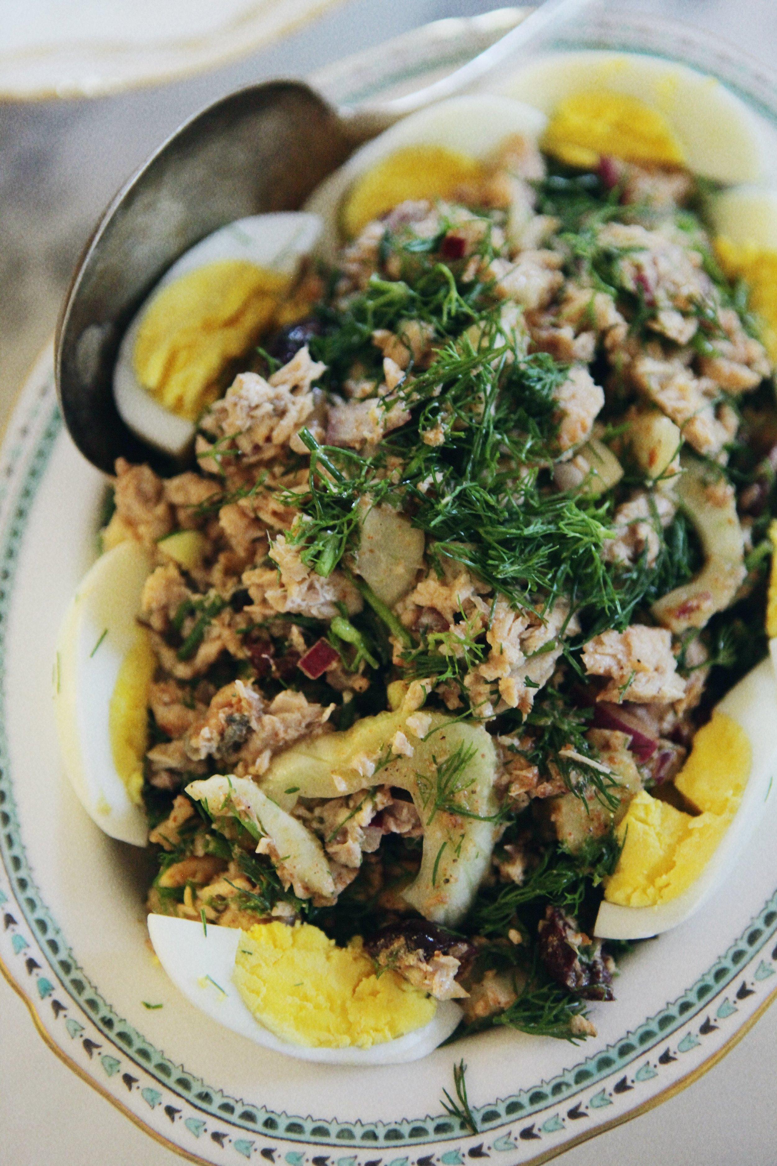 salmon-nicoise-salad-paleo