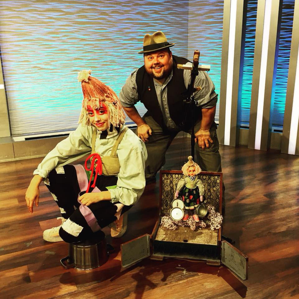 KDKA Pittsburgh Today Live! CMOA Midway - Dave and collaborator Anna Azizzy visited the Pittsburgh mid-morning news scene to promote the upcoming Carnegie Museum of Art's Midway event where they had a puppet vs acrobat hand standoff. May 2018.