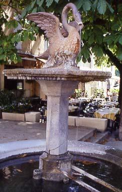 fontaine-uzes.jpg