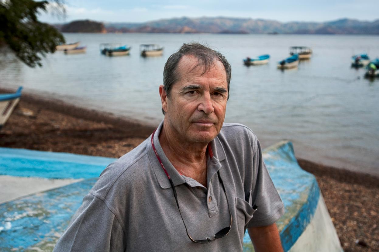 Paul Theroux retratado por Steve McCurry.