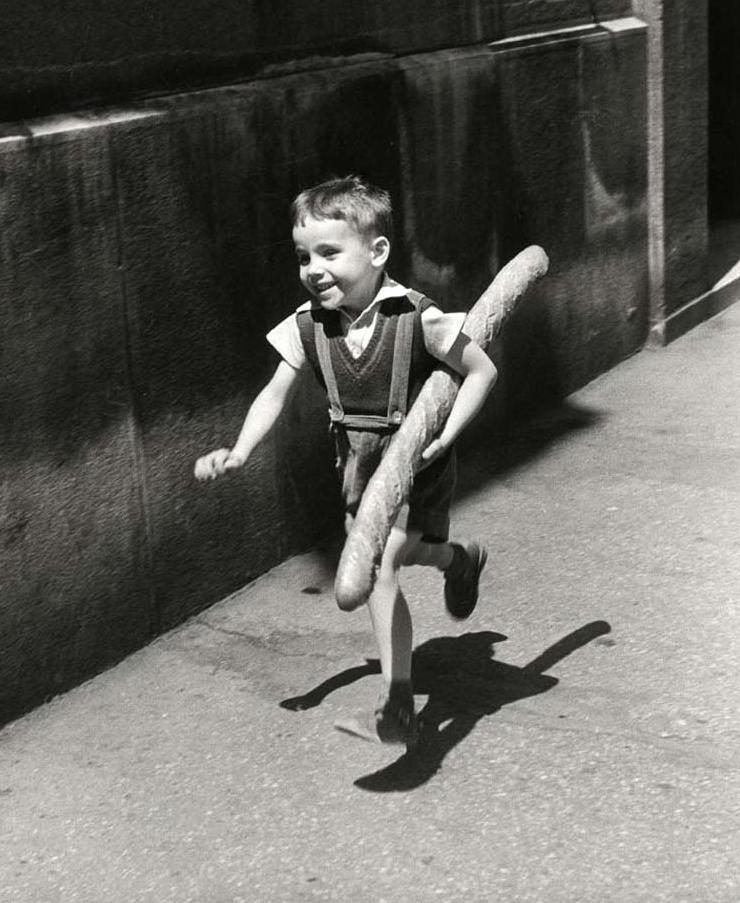 El pequeño parisino , fotografía de Willy Ronis.