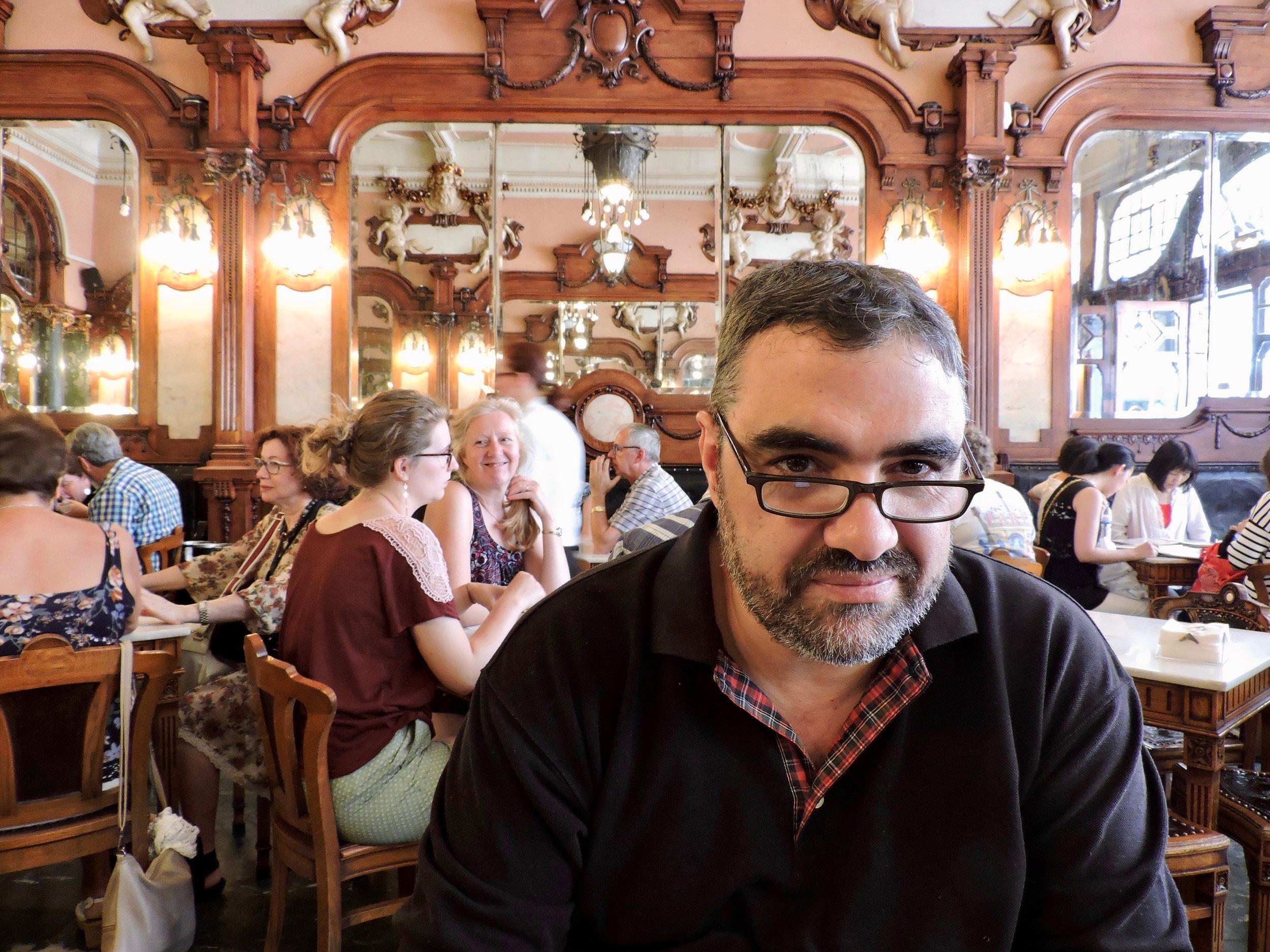 En el  Café Majestic  de Oporto, Portugal.