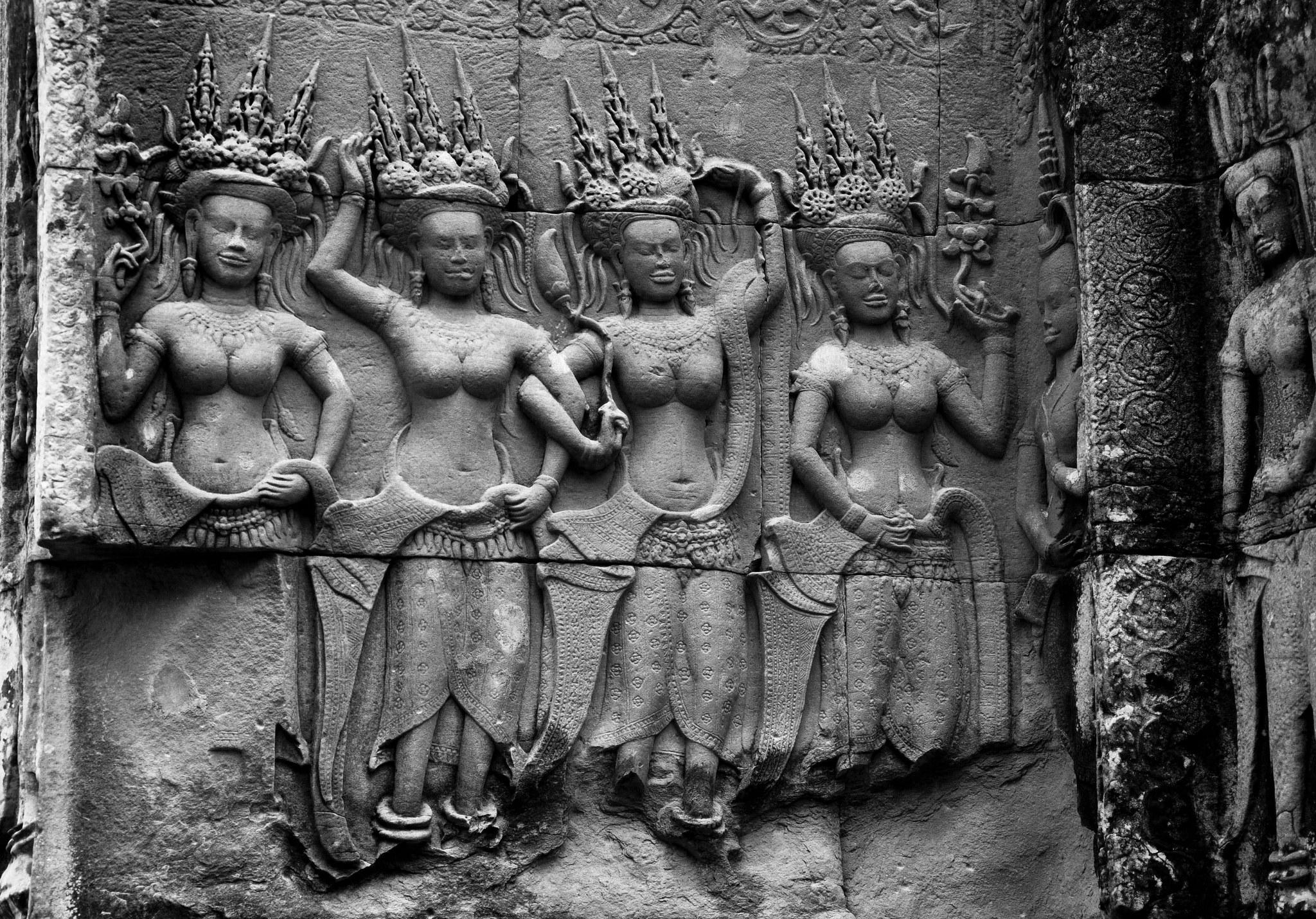 Apsaras: miles de bailarinas celestiales a la vista.