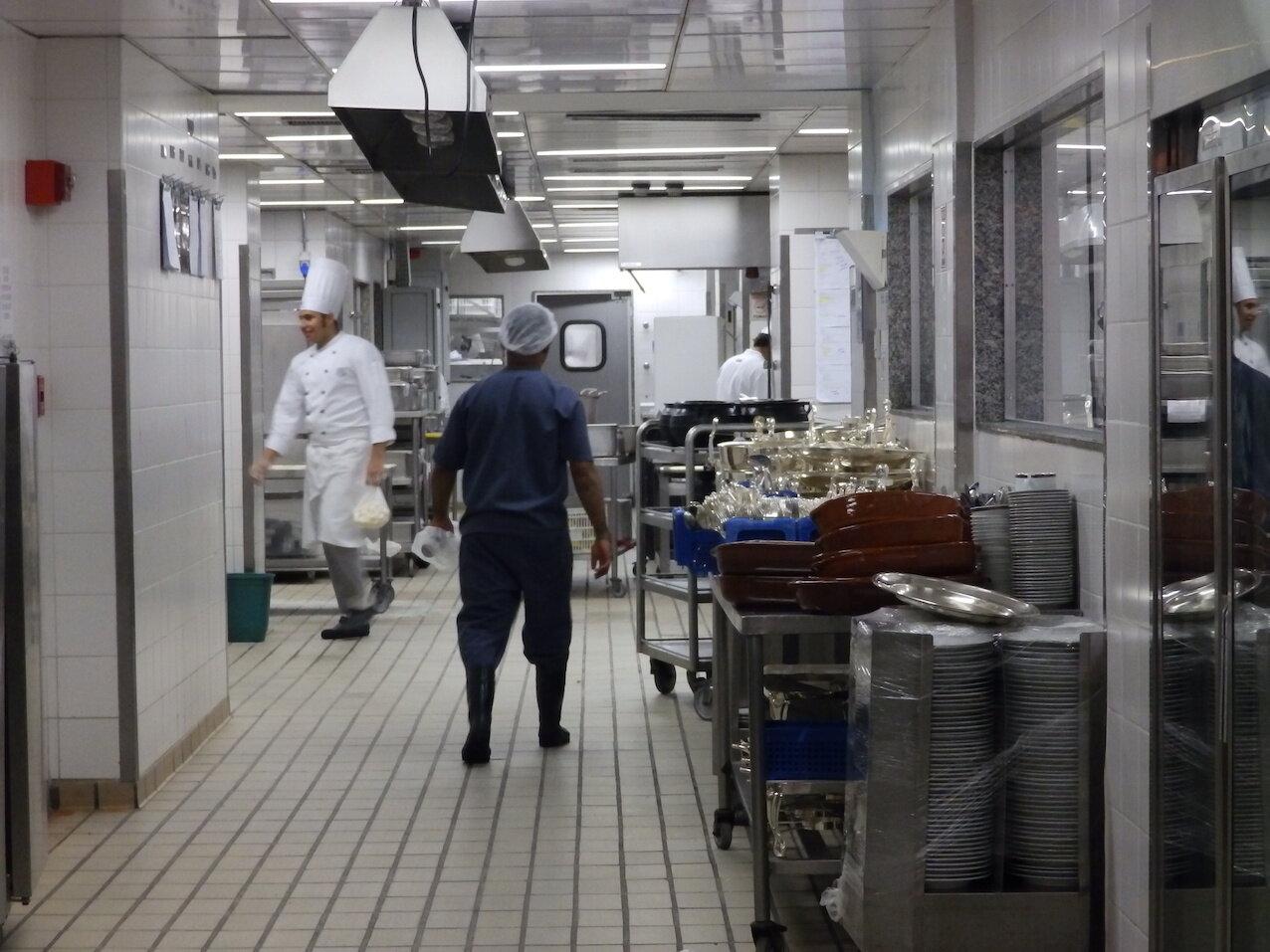 Cada restaurante del hotel, así como el área de eventos, tiene su propia cocina.