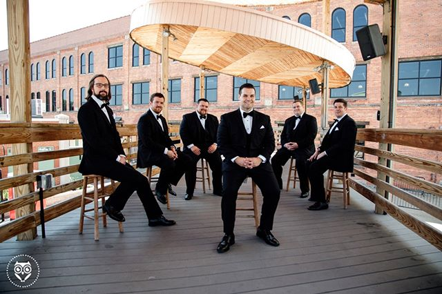 �Doug & The Groomsmen's next album cover 🤣� .� Photographed by Sarah Rizzo� .� .� .� .� .� .� #stylemepretty #greenweddingshoes #aisleperfect #theknot #huffpostido #marthastewartweddings #harperbazaarweddings #weddingphotographyinspiration #buzzfeedweddings #katieafricanophoto #tribearchipelago #buffalove #buffaloweddings
