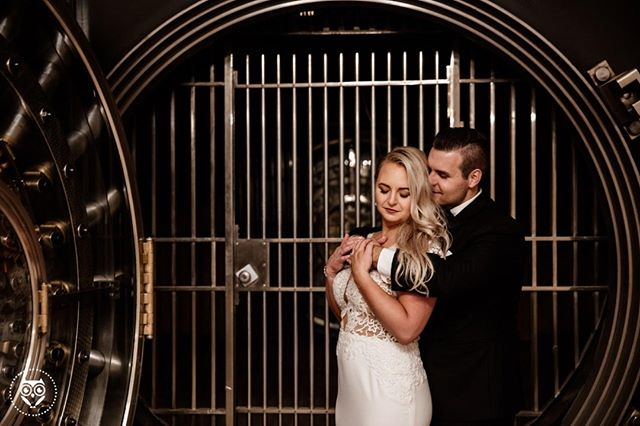 When your wedding venue used to be the most epic bank ever... do your end of the night shots in a vault! Thanks @the_admiral_room_ for the stunning setup. � .�� � Photographed by Katie Africano� & Sarah Rizzo� .� .� .� .� .� .� #buzzfeedweddings #katieafricanophoto #tribearchipelago #buffalove #buffaloweddings