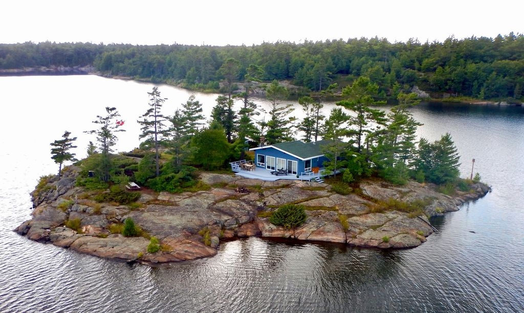Island Property, Ontario