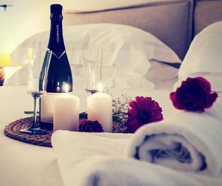 Romantic touches on honeymoon