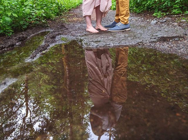 Here the sneak peek from last weekend with a beautiful couple, Will and Heather! • • • • • • • #picoftheday #bestoftheday #portrait #ketaverse #pnw #washington #business #wa #sneakpeek #photoshoot #portraitures #deafbusiness #photography #story #couple #love #seattletime #deaftalent #reflection #seattle_igers #pnwphotographer #seattlephotographer
