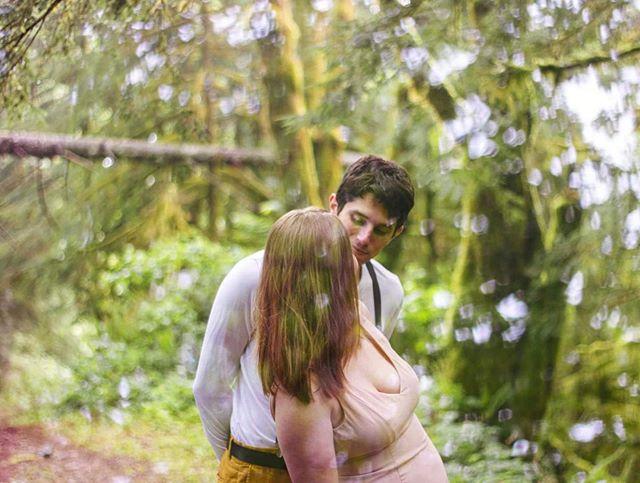 😍 • • • • • • • #picoftheday #bestoftheday #portrait #ketaverse #pnw #washington #business #wa #sneakpeek #photoshoot #portraitures #deafbusiness #photography #story  #couple #love #pnwphotographer #seattlephotographer #deaftalent #pnwonderland #pnwisbeautiful