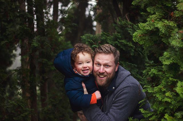 Happy Father's Day to fathers. This is one of my most favorite pictures of Ethan and his father, Jason. ❤️ • • • • • • • #picoftheday #bestoftheday #portrait #ketaverse #pnw #washington #business #wa #sneakpeek #photoshoot #portraitures #deafbusiness #photography #story  #father #fathersday #seattle #child #son #cute #smile #seattletime #fatherday