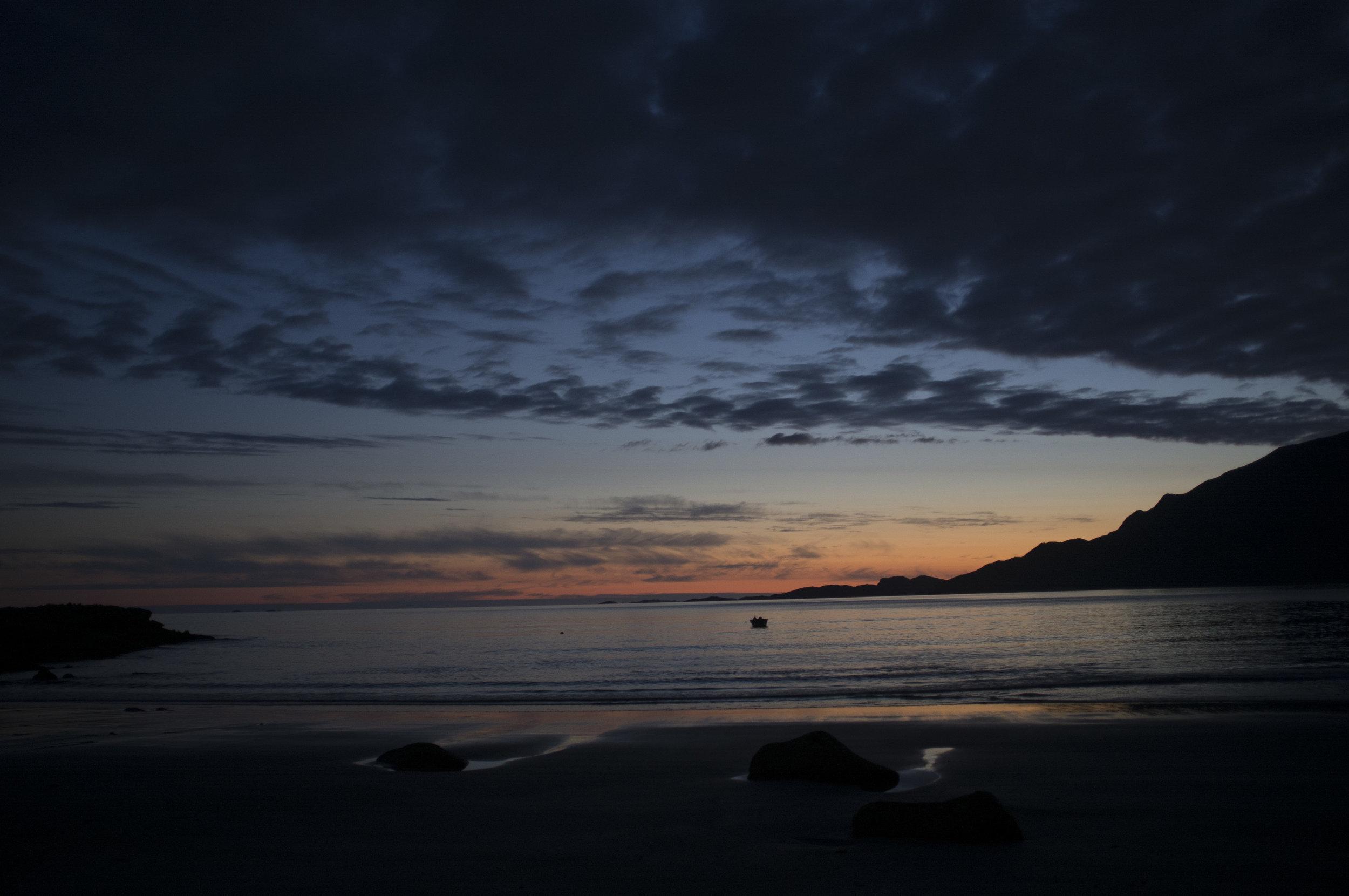 010_Dark sea at Grotfjord_no filter_3.jpg