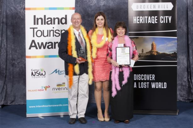 Hosted Accommodation Winner - Lakeview Luxury Cabins