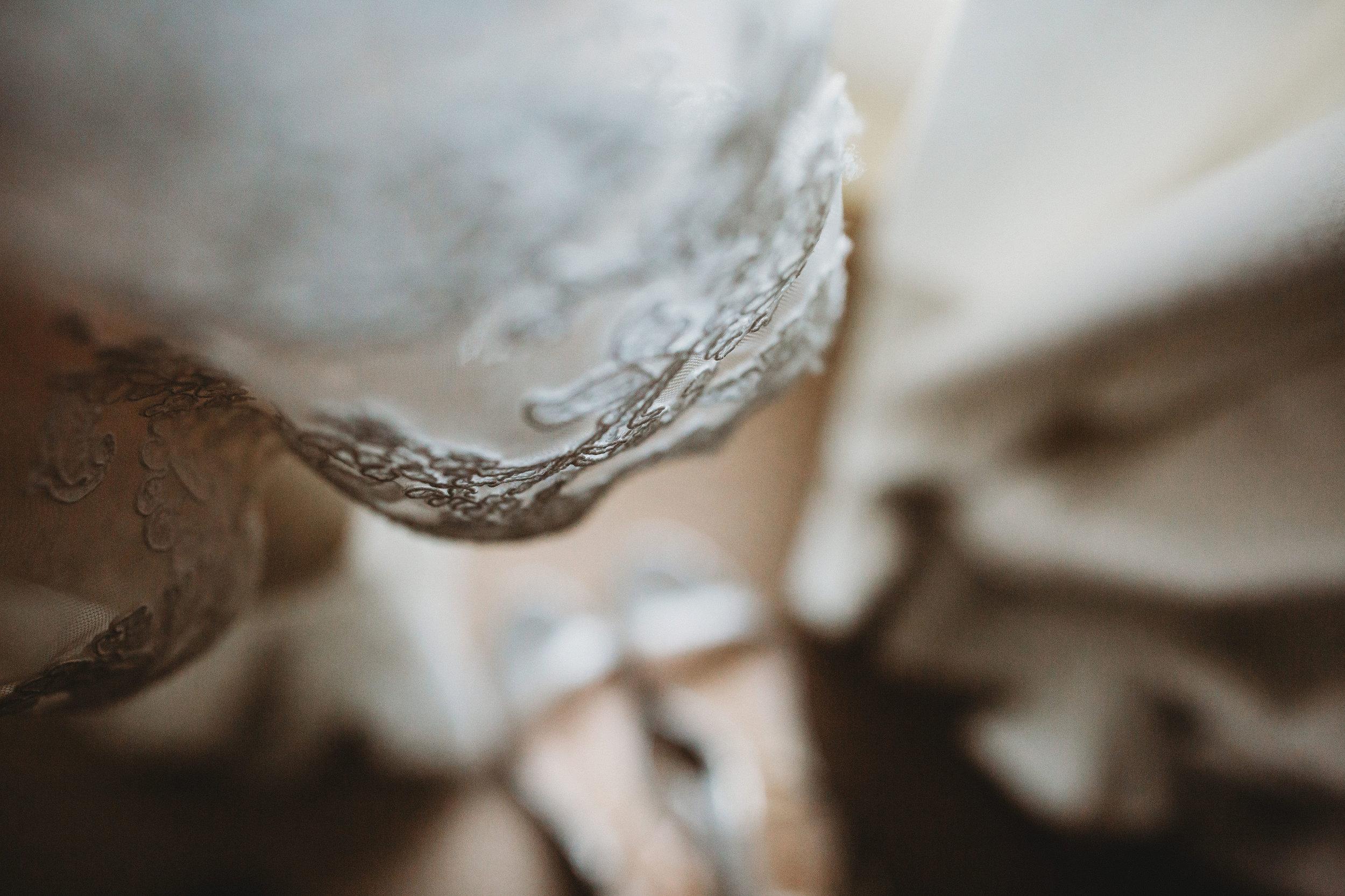 ALIANDDAMOWEDDING-BETHFERNLEYPHOTOGRAPHY-19.jpg