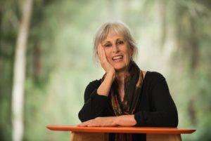 Amanda Hampson has written three other novels.