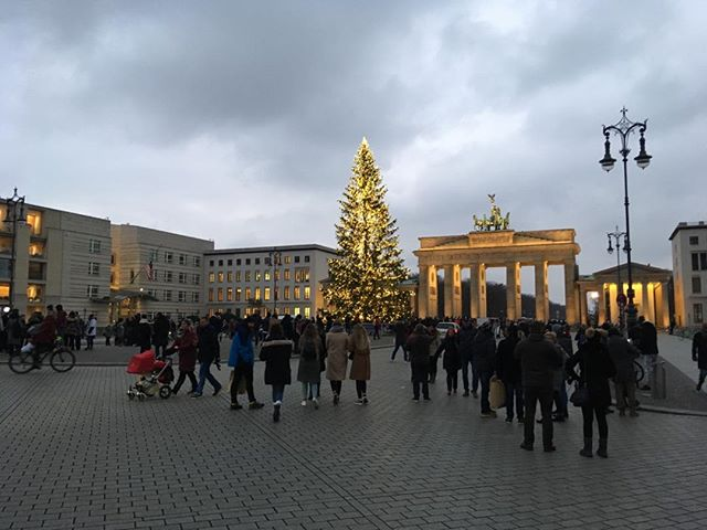 A light dusting of snow at sunset added just the right atmosphere for exploring Berlin's Christmas market scene (and new addiction to currywurst) #germany #winter #jetset
