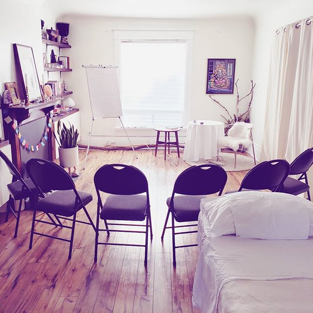 Our Space is set for Level 2 Practitioner Training starting tomorrow!  Level 2 takes the student into deeper soul level healing, including past life healing, and the weekend is incredibly transformative on a personal level.  This makes us better equipped to hold Space for the healing of others, because we can only take our clients as deep as we're willing to go with ourselves.  See you on the other side. ✌🏼💖🌈🌟