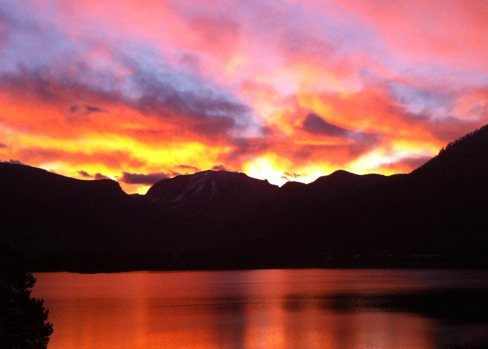 sunrise Grand Lake.jpg