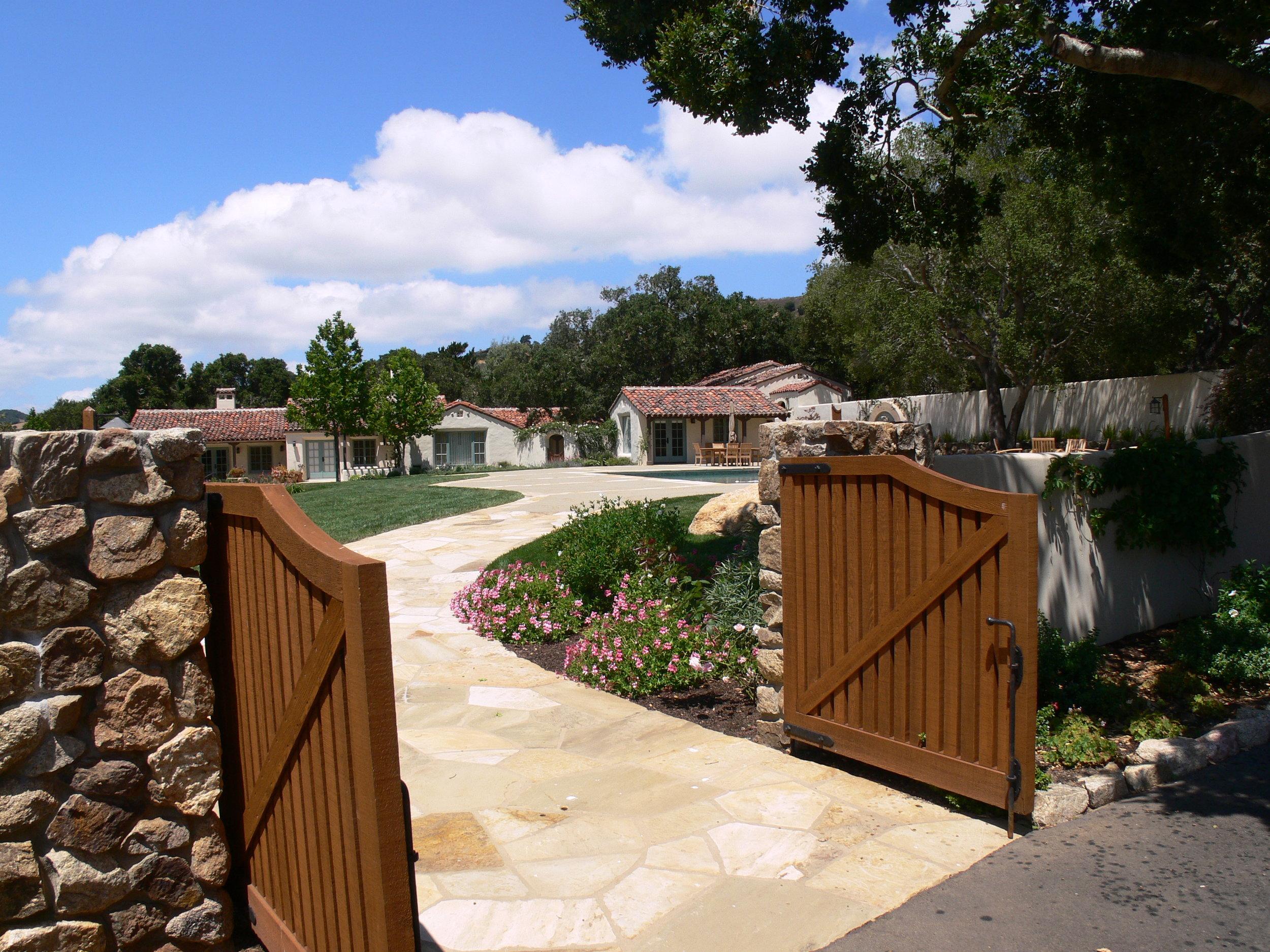 gate&exterior1.JPG