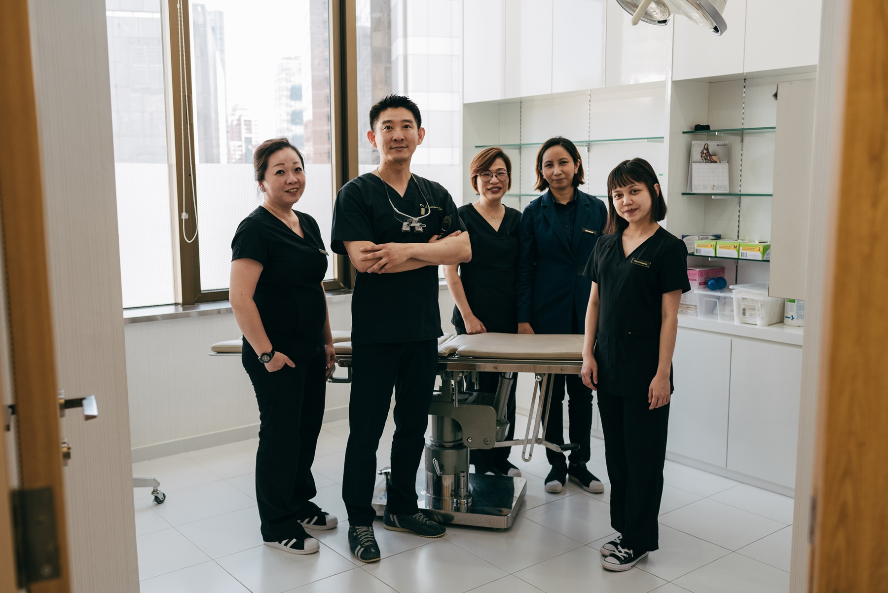 Our professional team of specialist surgeon, certified nurses and therapists