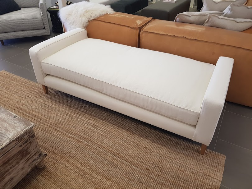 Twin arm piped chaise