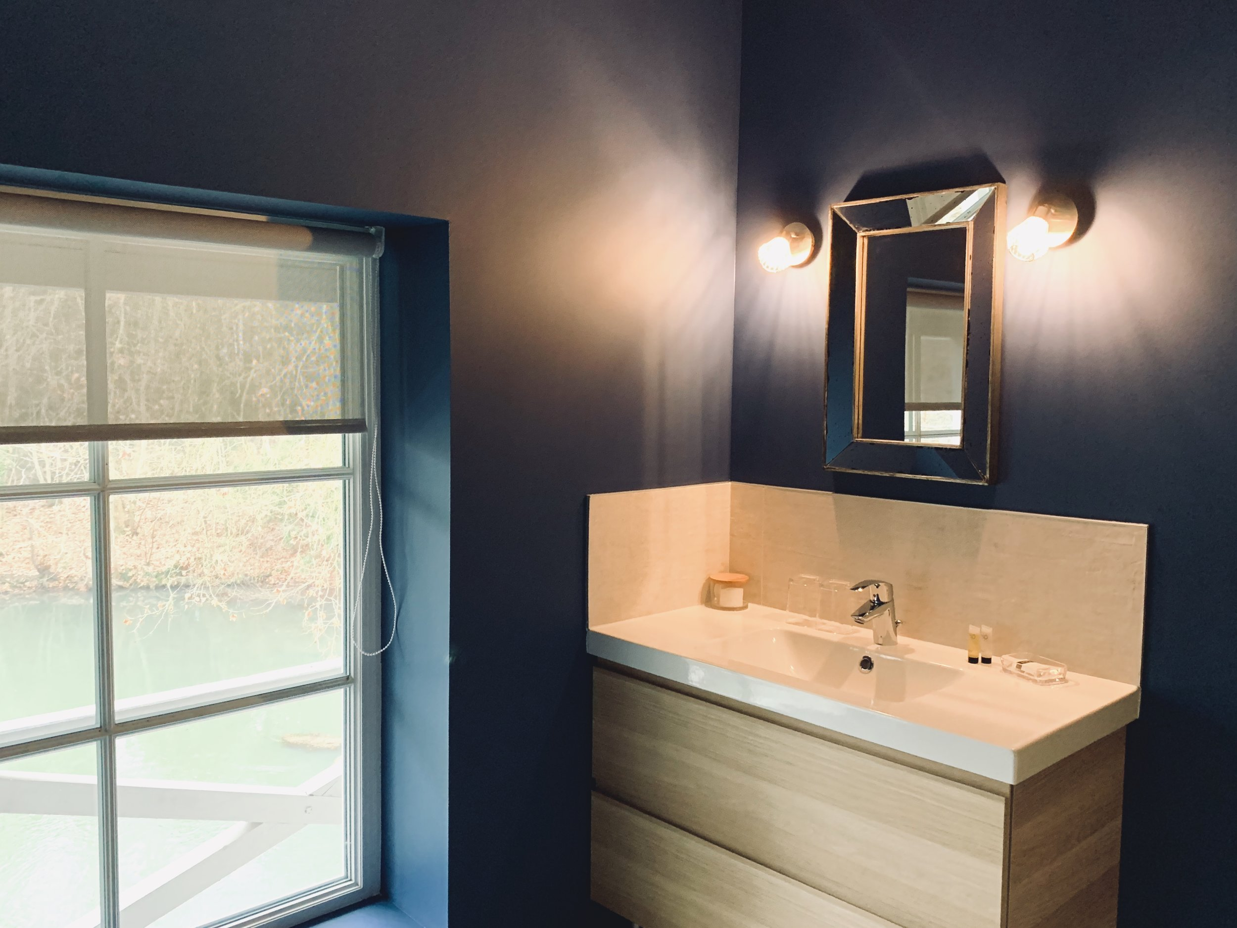 salle de bain meuble vasque mur petrole