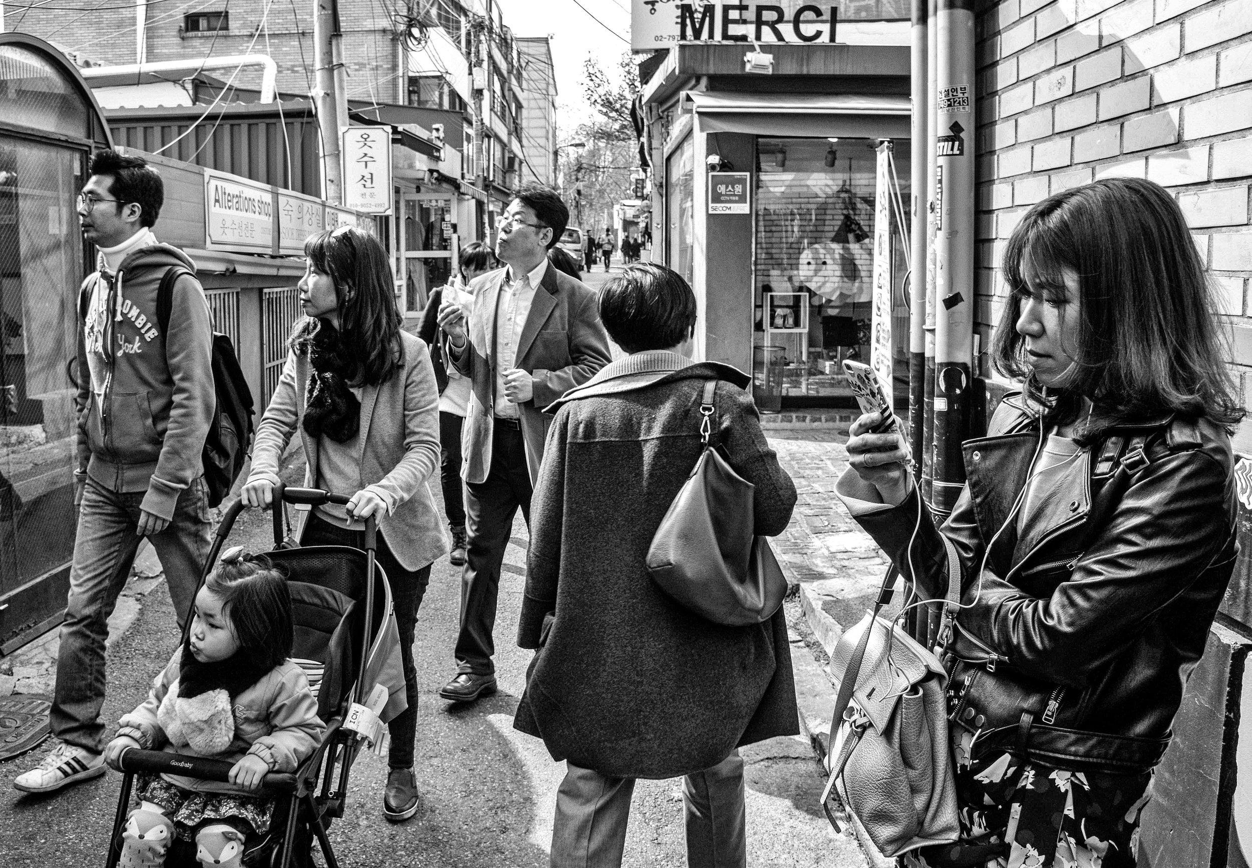 Itaewon - backstreet #4 - re-edit.JPG