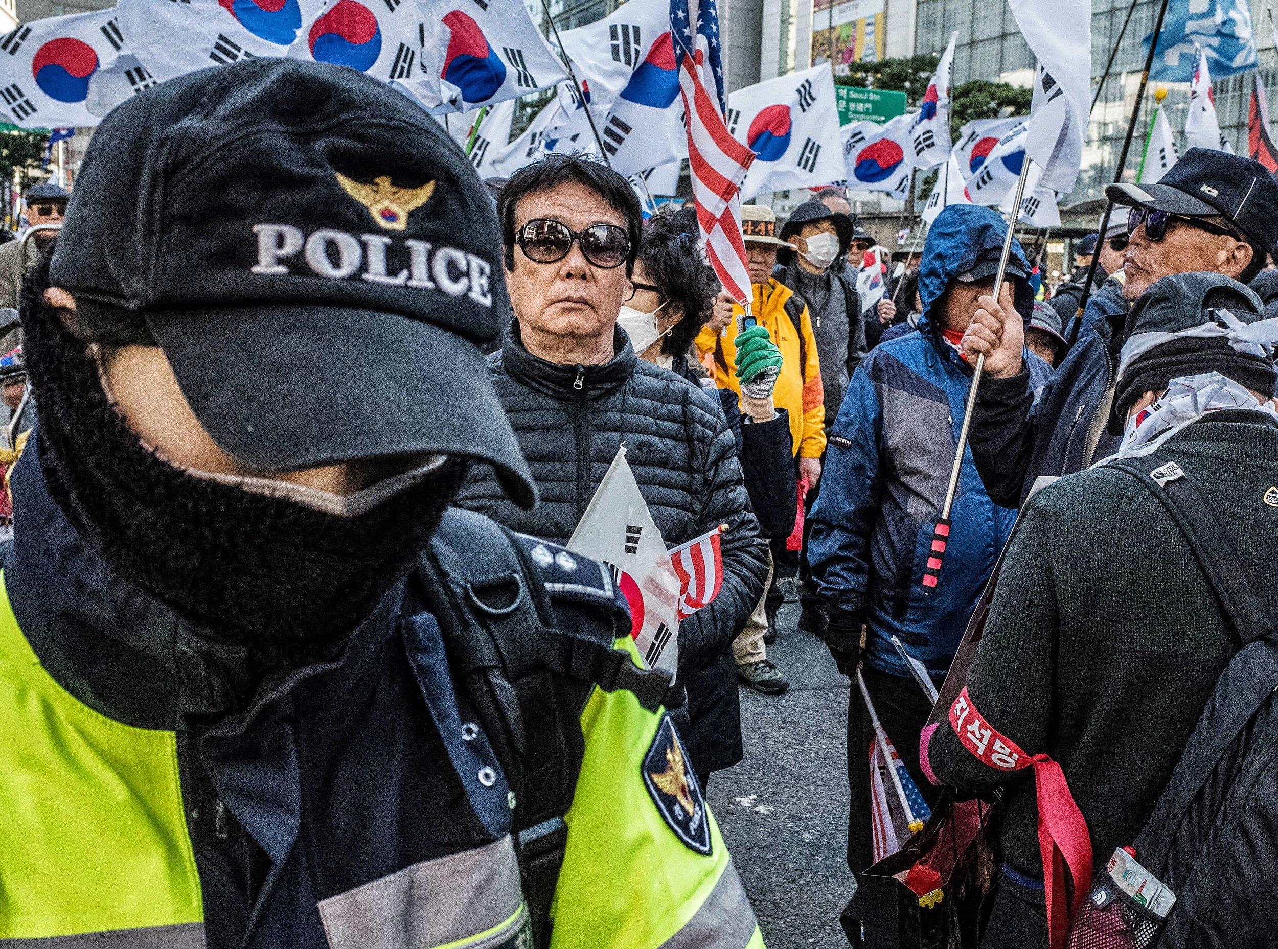 Seoul Loop II #160 BW-TC.JPG