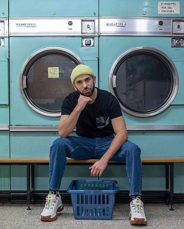Wednesday creativity inspo from @mrthirtysomething ! Half way to the weekend 💃🏼💃🏼💃🏼 . . . . . . #laundrette #londonlocations #influencermarketing #influencerdigital #centrallondon #influencermarketingagency #influencermarketingtips #blogging #socialmedia #socialmediamarketing #socialmediainfluencer #influencer #london #influenceragency