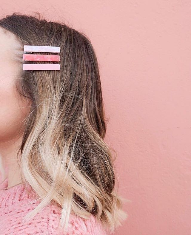 @hannahfgale giving us all the clip inspo today! Have you jumped on the trend yet? ✨ . . . . . . #clips #haircliptrend #hairclips #accessories #influencermarketingagency #influencermarketingtips #blogging #socialmedia #socialmediamarketing #socialmediainfluencer #influencer #london #influenceragency