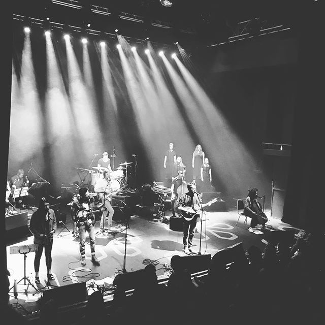 Was super special to see @roopanes  and friends last night at The Shepherd's Bush Empire. A stunning set full of beautiful songs and moments. #roopanes #musiconthewind #musicians #dream