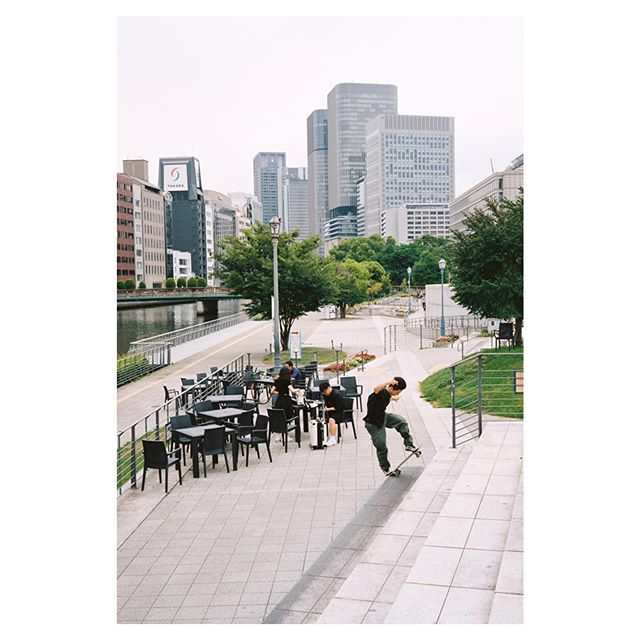 @somasugiyama  f/s blunt slide at Nakanoshima plaza. . . . #filmphotography #skatephotography #streetphotography #fujicagw690 #middleformat #portra400 #nakanoshima #osaka #japan #filmisnotdead