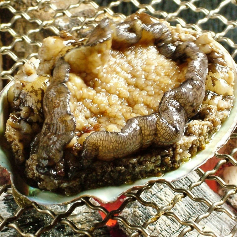 Setana course -  Hokkaido's seafood and crab live performance experience with abalone. Enjoy the flavour of Hokkaido in its entirety!