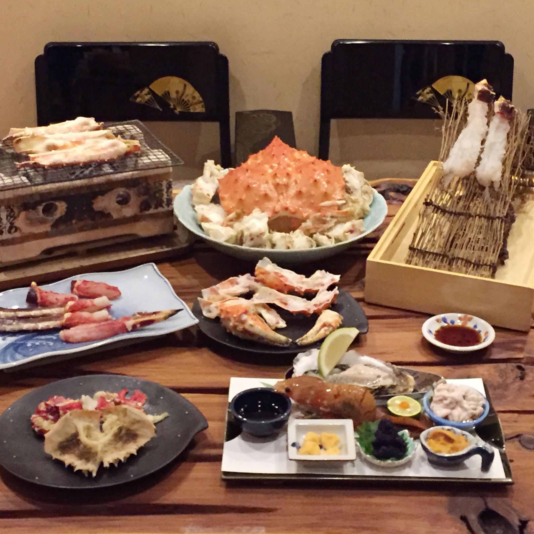 Seasonal course - Hokkaido's seafood and crab live performance experience.