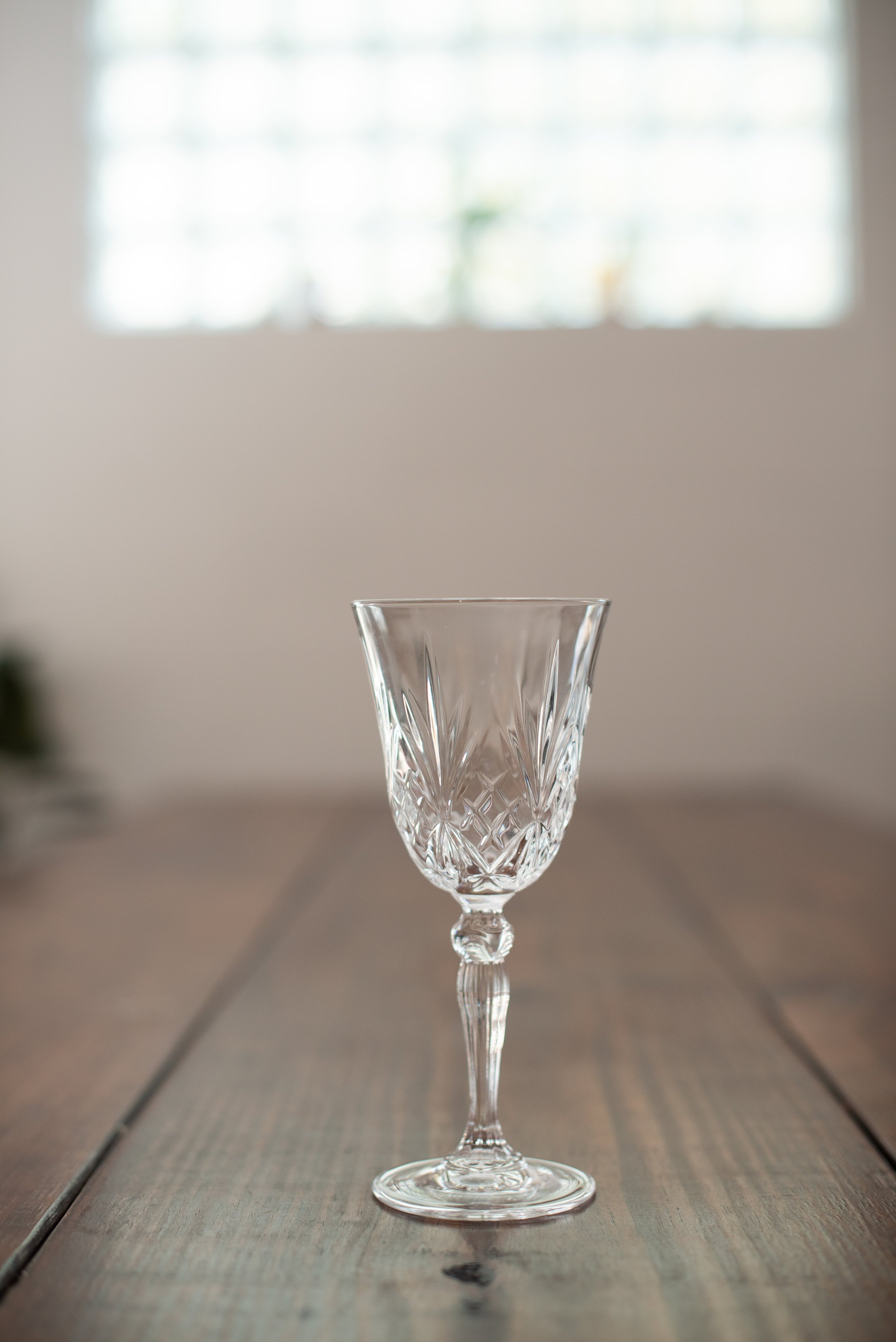 Crystal Wine Glass   Size: 9 oz  Price: $1.50  Quantity available: 20