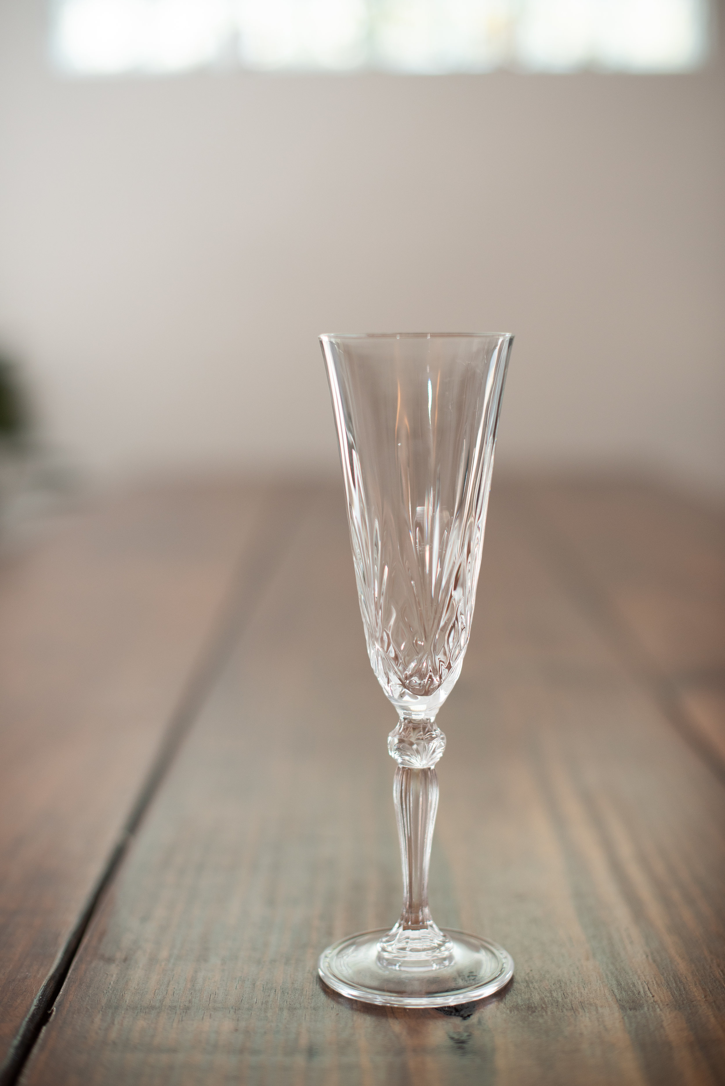 Crystal Champagne Flute   Size: 6 oz  Price: $1.50  Quantity available: 20