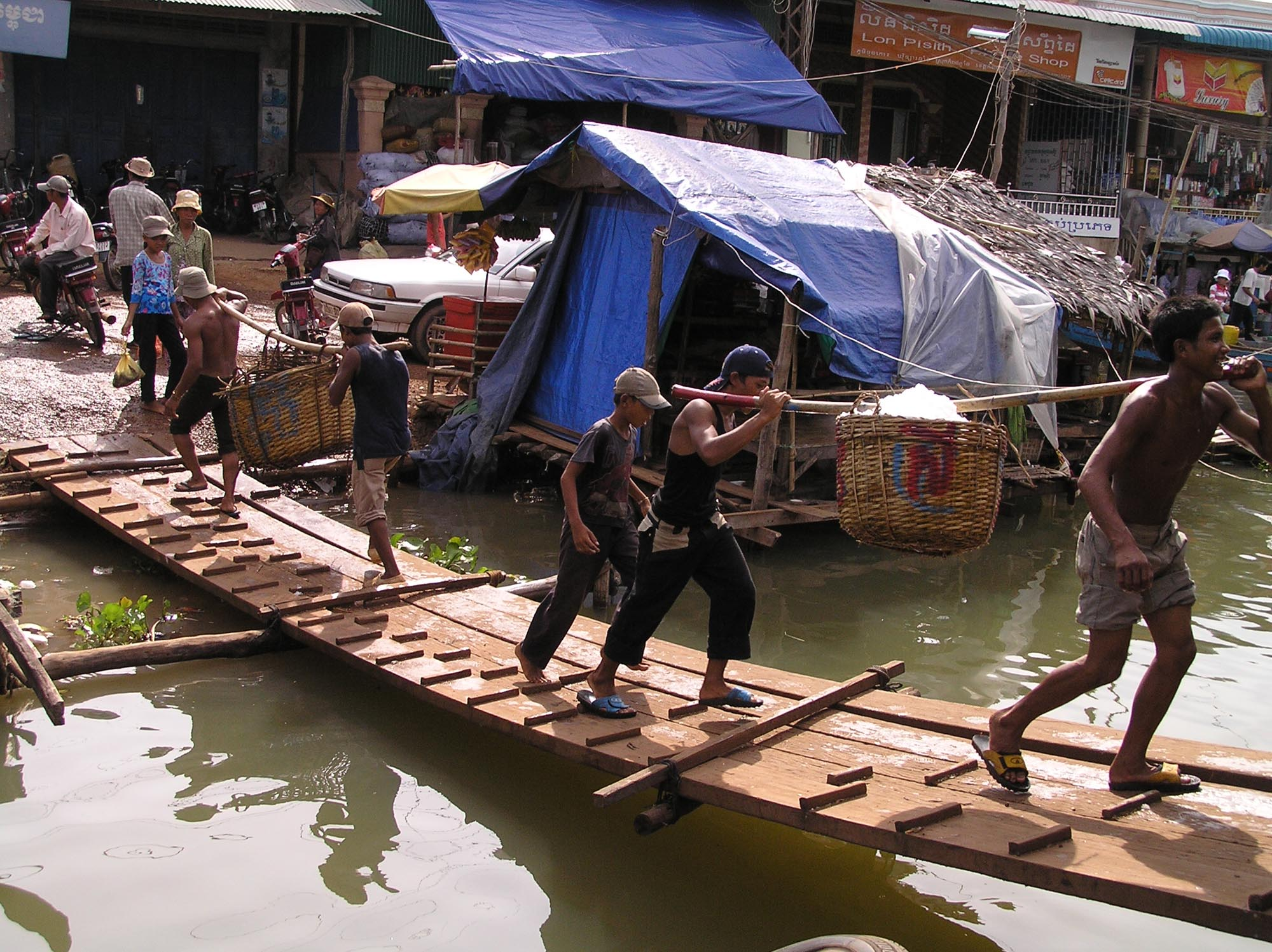 Waterside market, Kompong Chhang